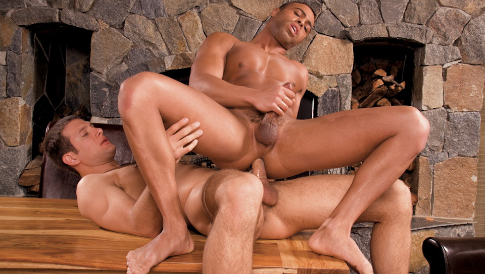 spencer-fox-fucks-micah-brandt